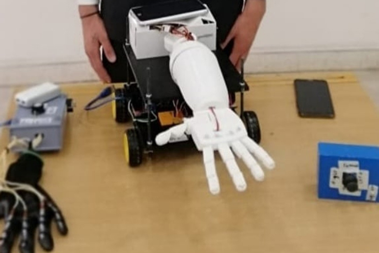 RHU students develop a remotely controlled robotic arm to be used in disaster situations