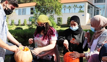 RHU Design Society hosts a pumpkin carving event